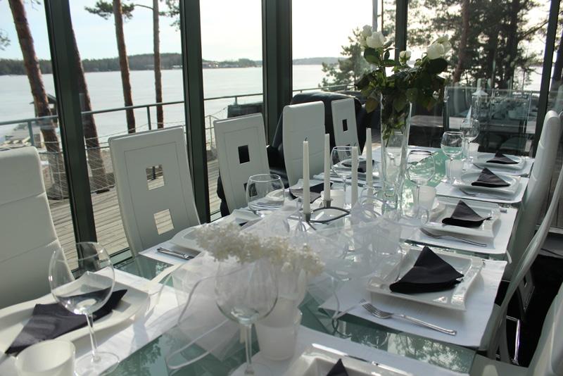 Airiston Lumous juhlapöytä